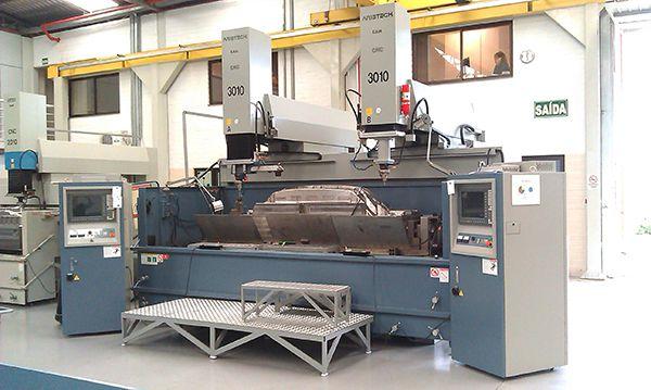 Hệ thống máy gia công EDM (gia công tia lửa điện) ARISTECH